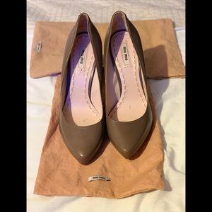 Miu Miu brown/tan heels 40